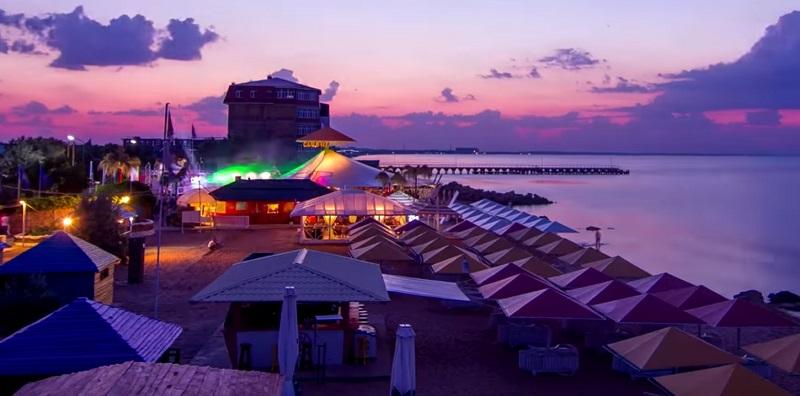 Достопримечательности Феодосии: Beach club 117