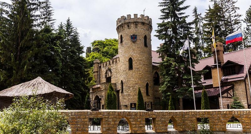 Достопримечательности Кисловодска: Замок коварства и любви